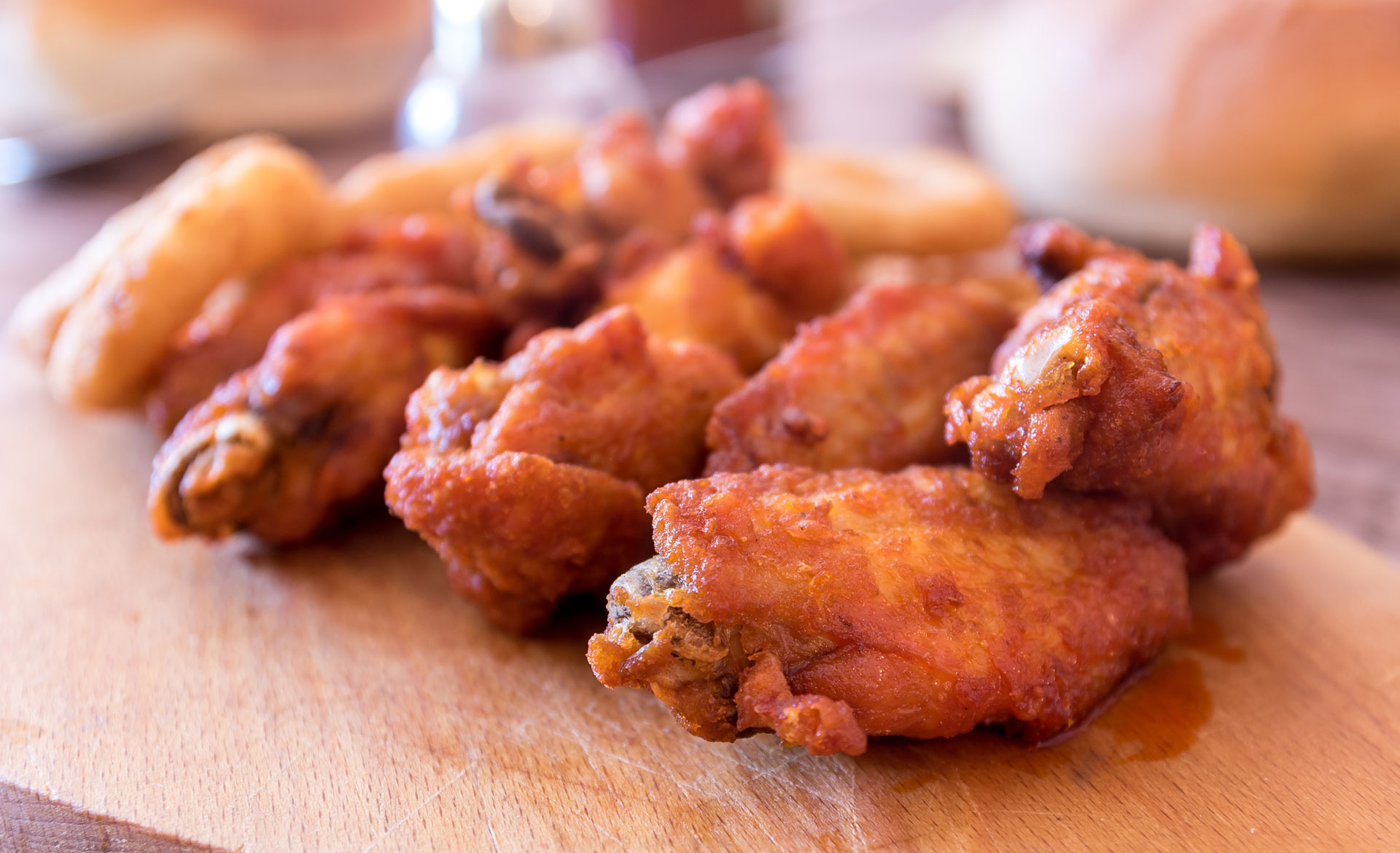 a photo of chicken wings