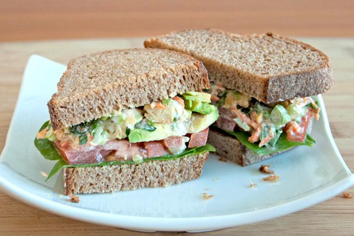 a photo of a sandwich